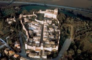 Panorama del Borgo e del castello di Gradara